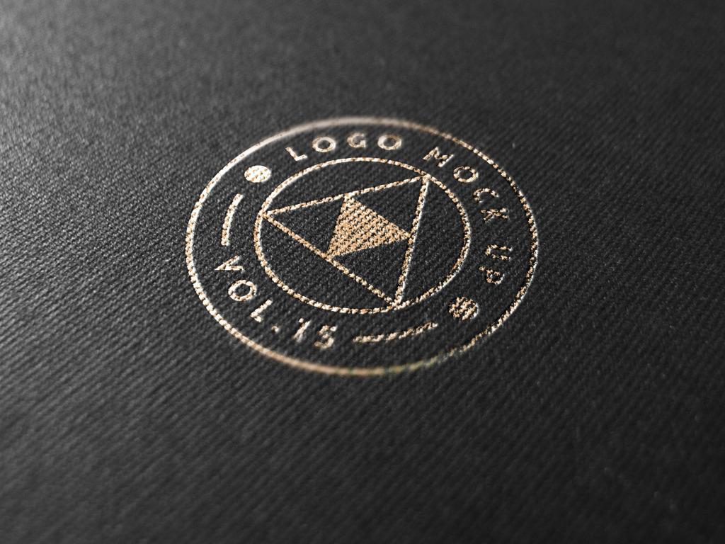 黑底烫金logo样板